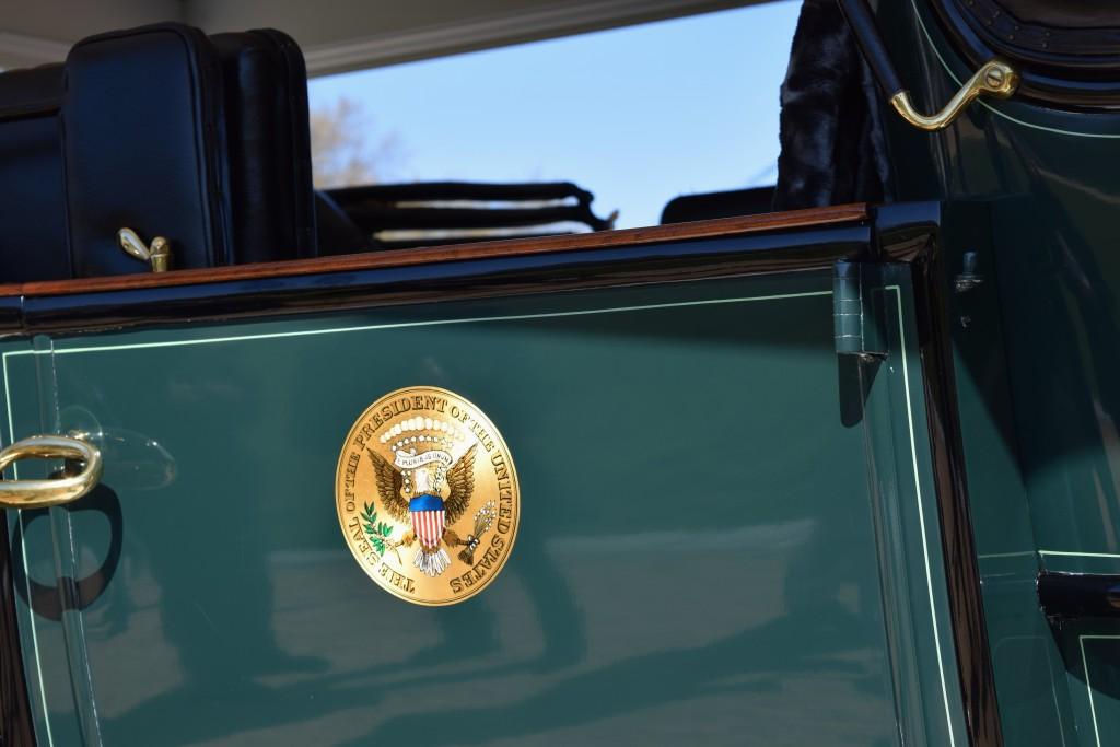 """Presidential Seal on the 1909 White Model """"M"""" Steamer"""
